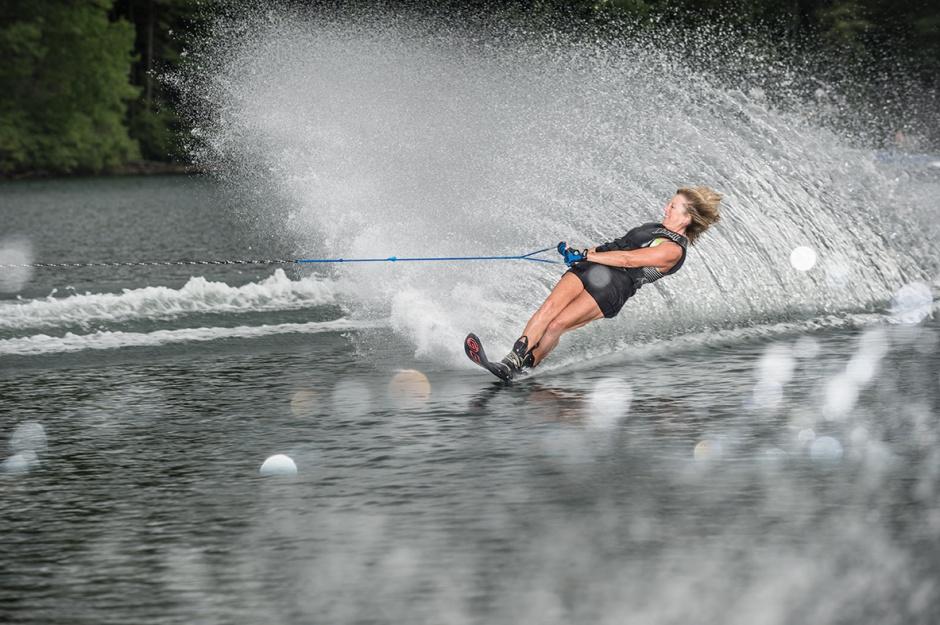 How to waterski: slalom