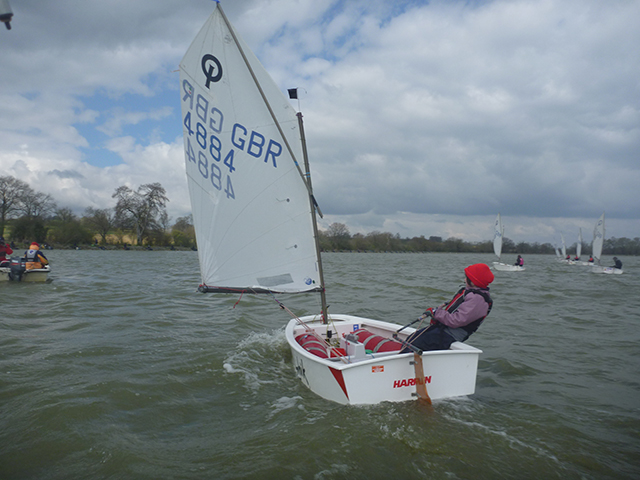 Kids dinghy sailing - Optimist dinghy