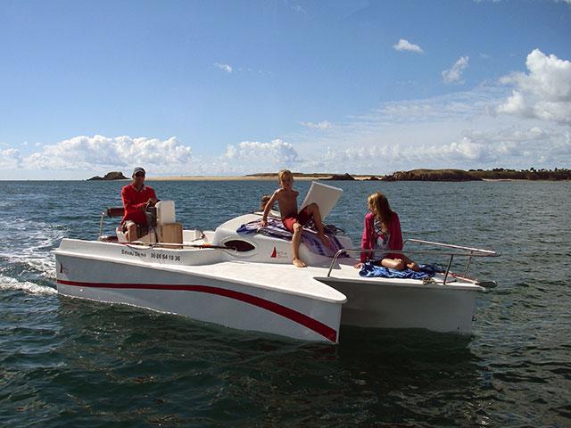 Astusboats Bay Dream 5.5 power trimaran