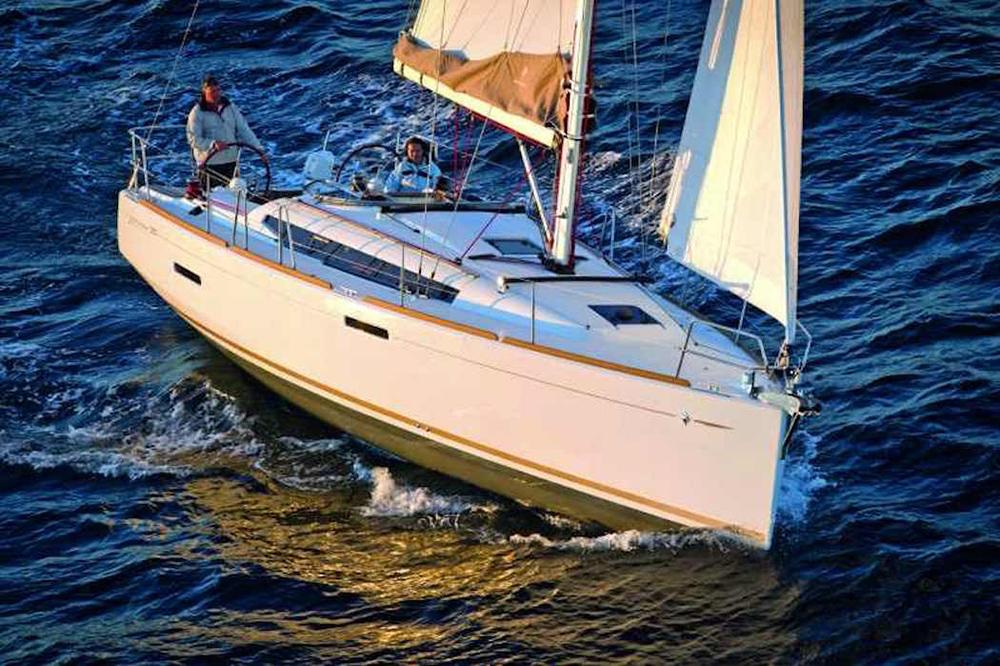 Jeanneau Sun Odyssey 389 review