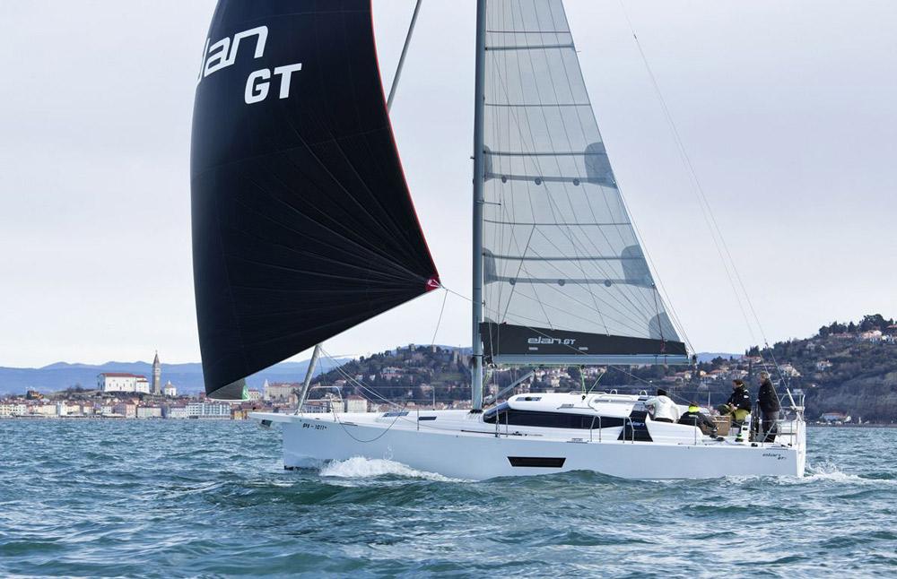 Elan GT5 downwind