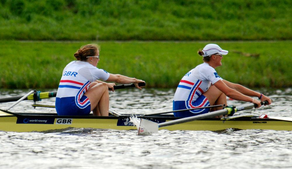 Rowing sweeps in a pair