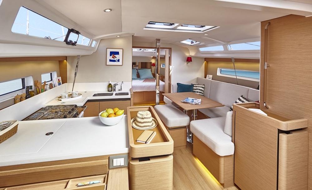 Jeanneau Sun Odyssey 440 below decks