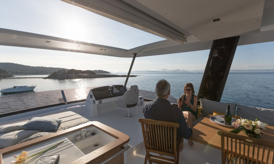 Fountaine Pajot 44 MY inside outside living