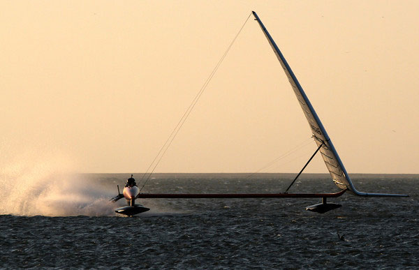 Sailrocket smashes outright World Sailing Speed Record