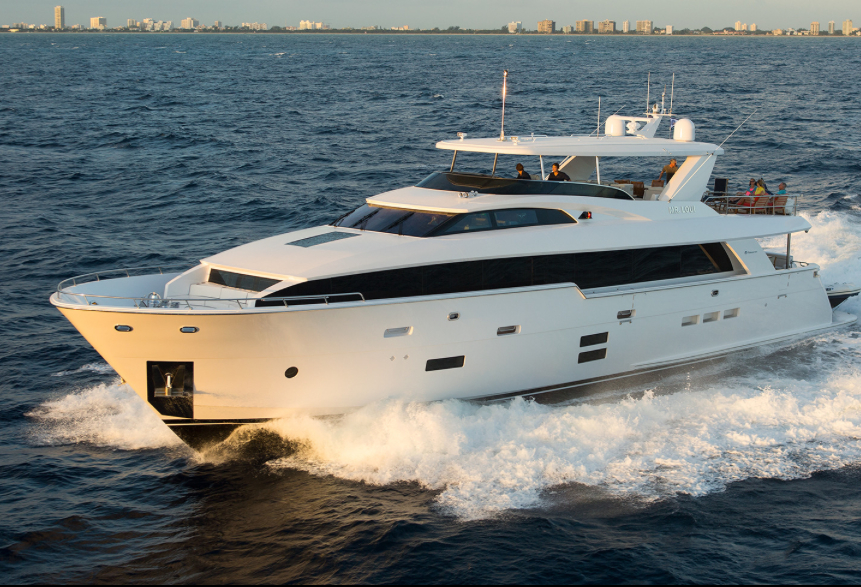 Hatteras 100RPH: new flagship heading for Cannes