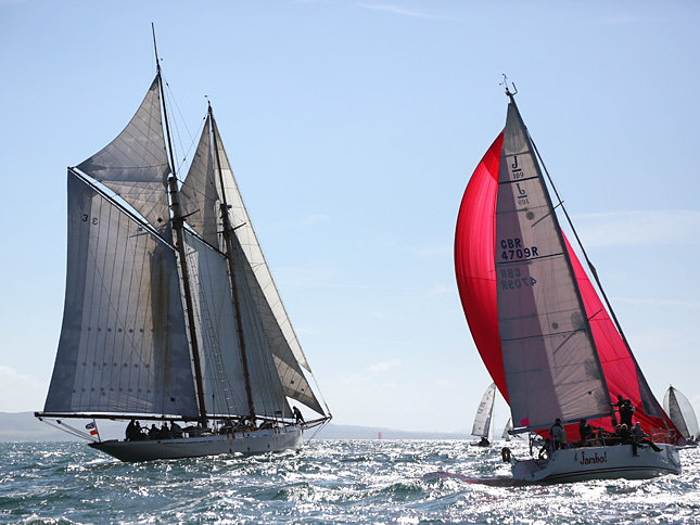 Design your own spinnaker online
