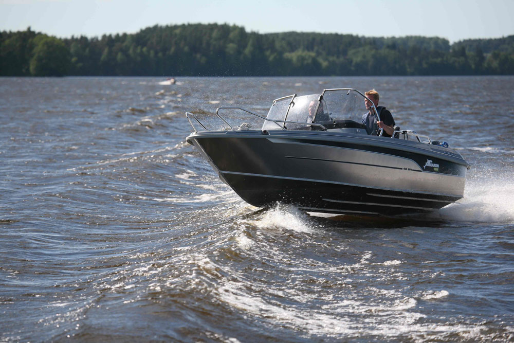 How to conduct the perfect powerboat sea trial