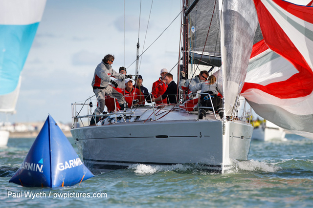 Light winds for first Hamble Winter Series racing