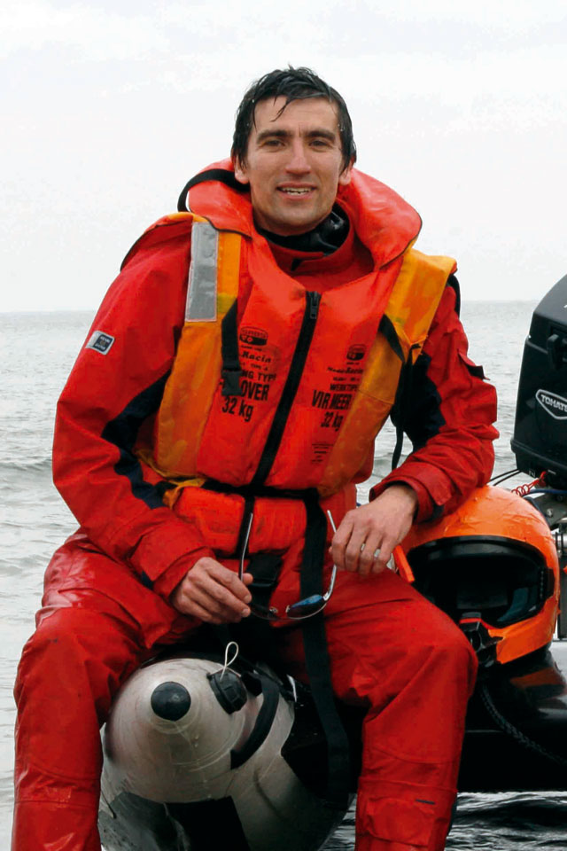 Drysuits for powerboating and sailing