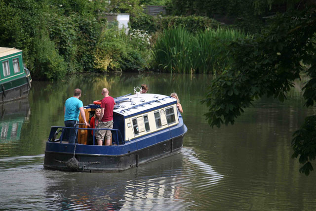 10 top tips for enjoying a narrowboat holiday