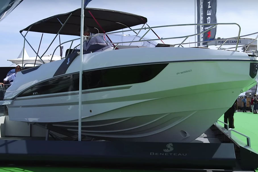 Beneteau Flyer 8.8 Sundeck video: first look