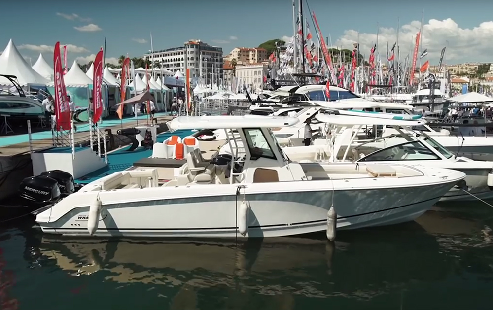 Boston Whaler 330 Outrage: First Look Video