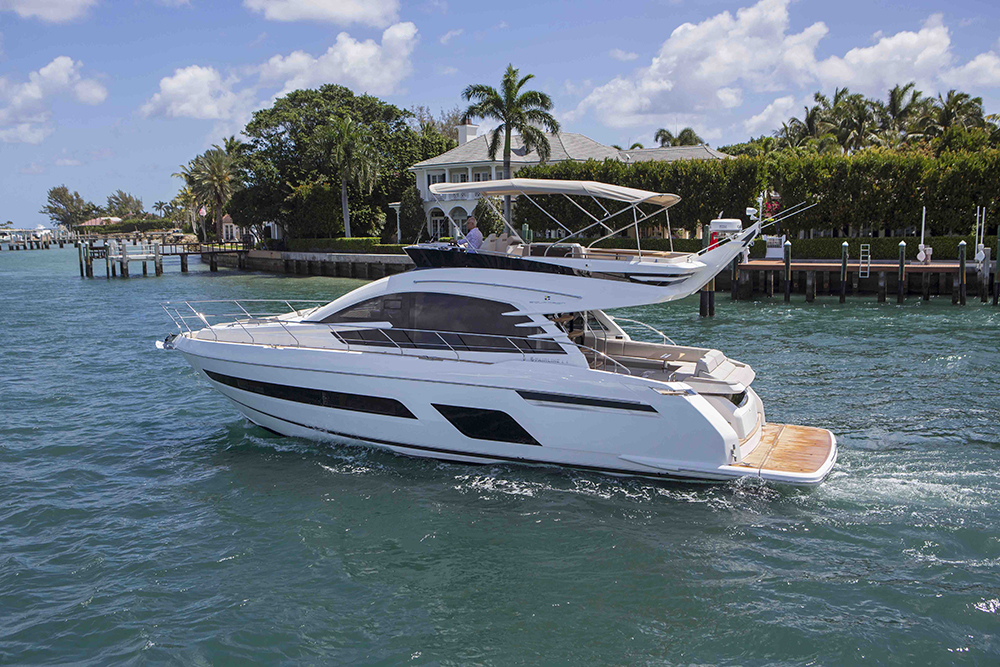 Fairline Squadron 53 UK debut