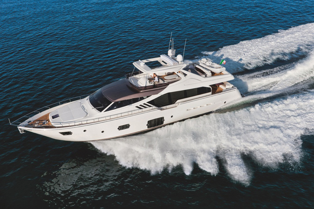Ferretti Yachts 870: focussing the light