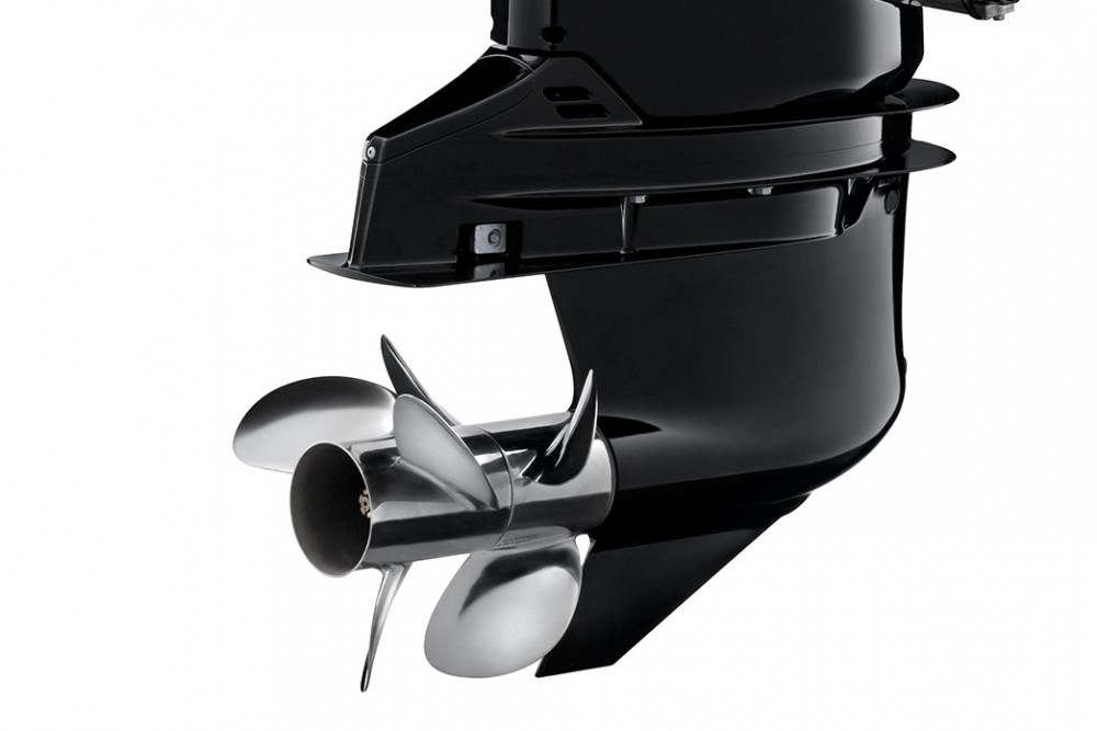 Suzuki DF350A twin propeller outboard introduced