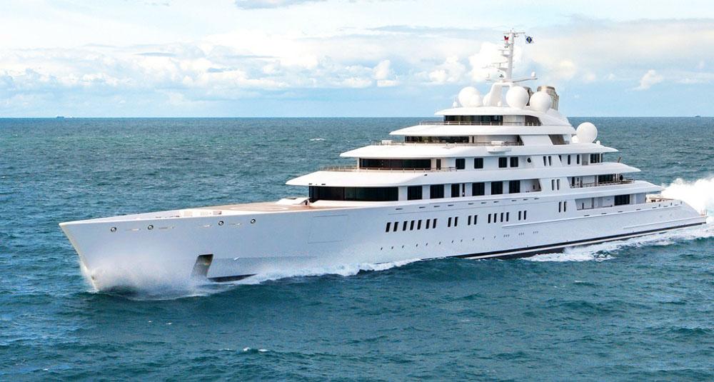 Yacht Azzam