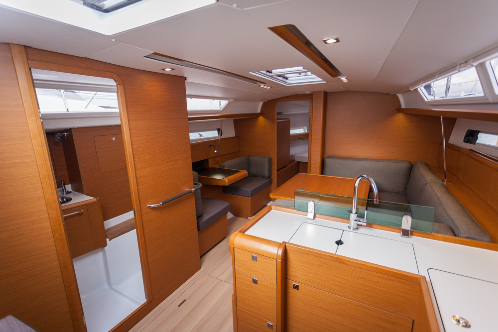 In Cannes, we tested the three-cabin, two-heads version of the 419 ...