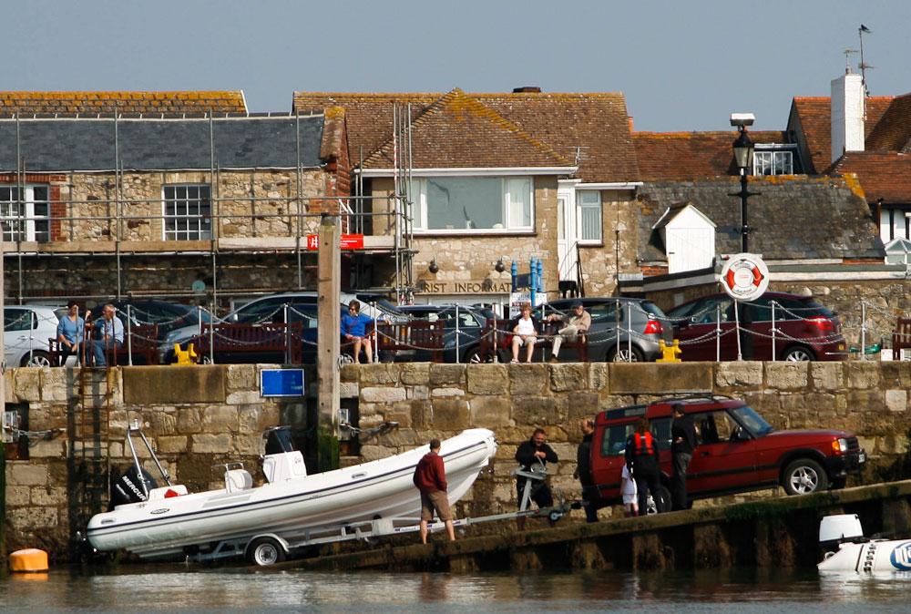 boat towing: launching
