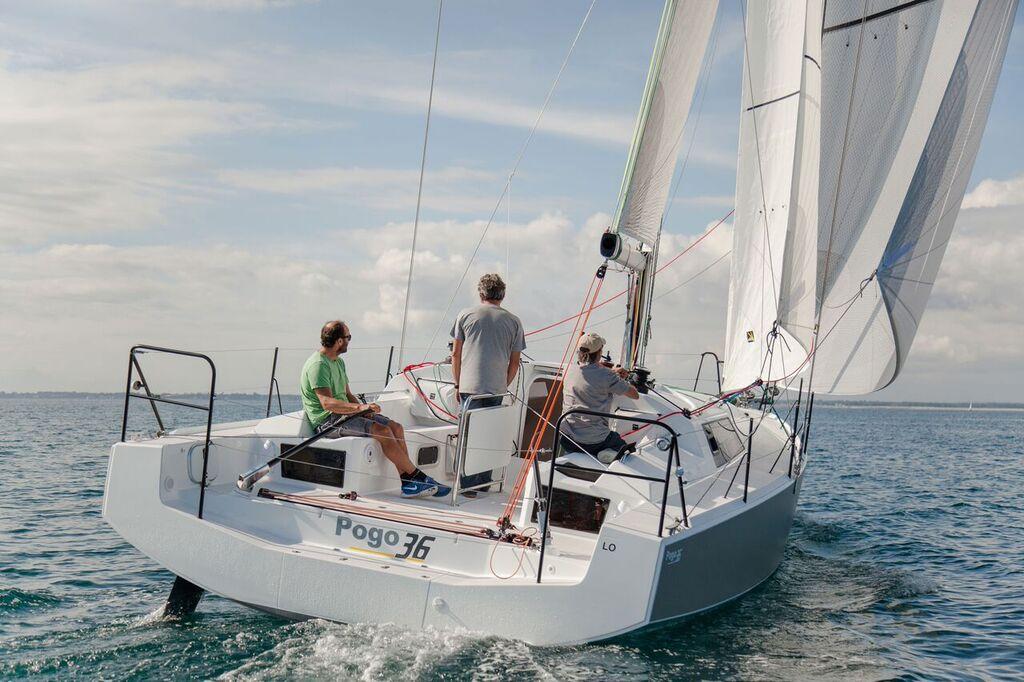 Pogo 36 review boatscom : Pogo Interior3 from uk.boats.com size 1024 x 682 jpeg 119kB