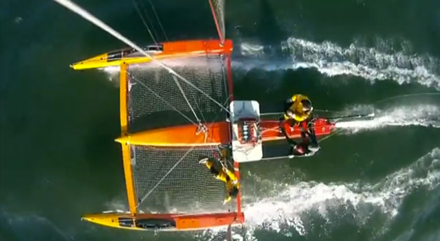 Kite foiling boat
