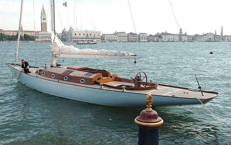 Film Star boat: Spirit 54