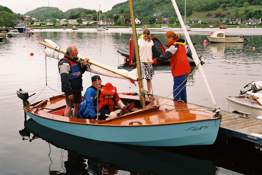What is the best sailboat to learn how to sail? - Quora