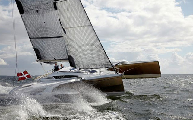 Dragonfly 32: fast and spacious - boats com