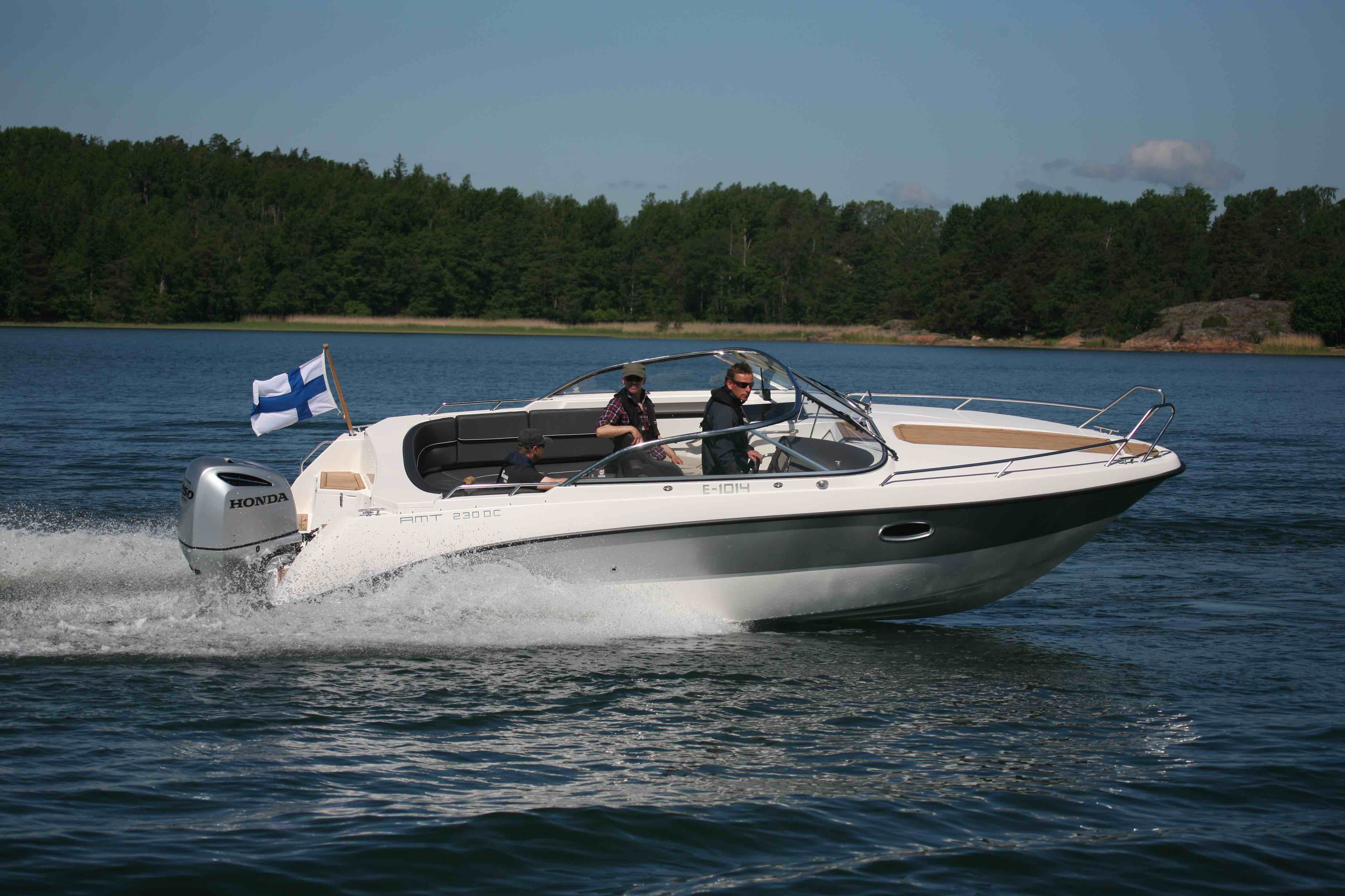 Sports cuddy powerboats: a guide