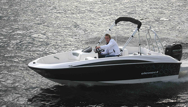 Bayliner Element: bold and simple