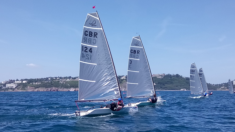 Singlehanded sailing dinghies
